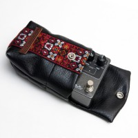 Souldier+Keeley_Pedal_Bag_Woodstock_Red_Side_Angle