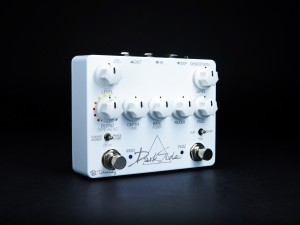 Keeley Electronics Dark Side White Out Pedal Hero